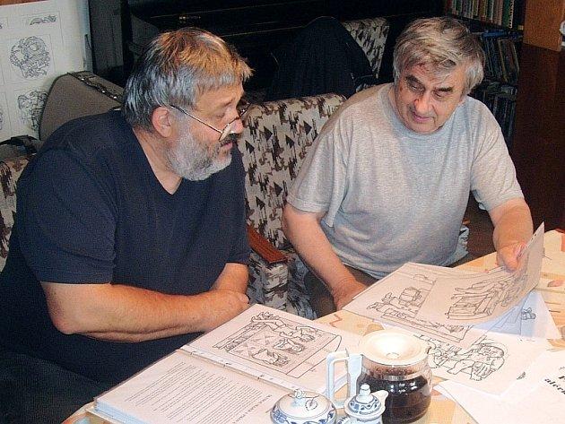 Spisovatel Ladislav Beran (vlevo) a výtvarník František Doubek
