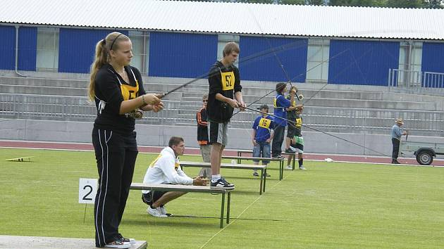 Mistrovství ČR juniorů a žáků v rybolovné technice se uskutečnilo v Písku na závěr závodní sezony a v jeho průběhu se všichni účastníci dobře bavili. Pořadatelé zvládli náročný podnik velmi dobře, za což jim patří uznání.