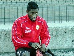 TRÉNINK. Francouz Ismaël Guiti se chystá na jeden z tréninků fotbalového Písku, jehož dres oblékne v jarní sezoně.