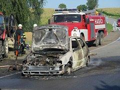 Požár auta v Kovářově.