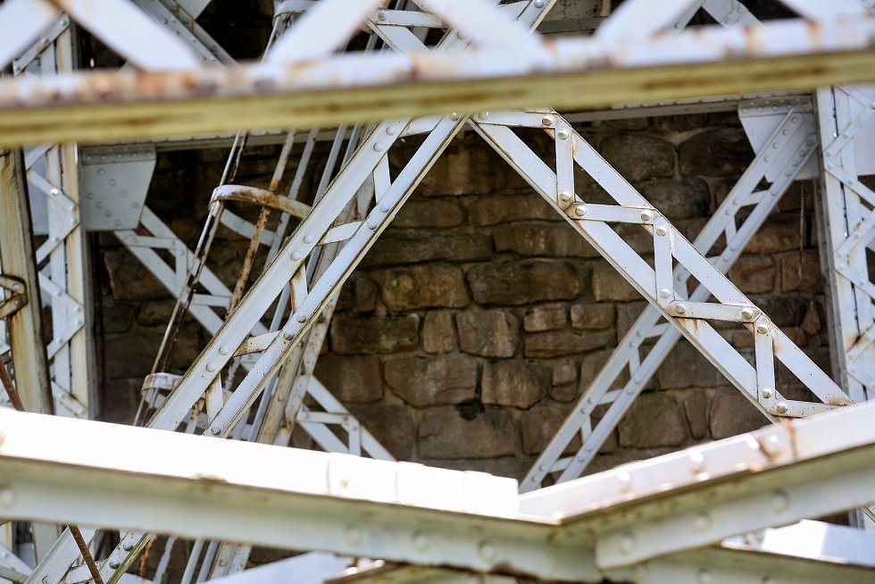 Starý železniční most v Červené nad Vltavou.