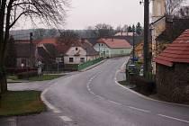HREJKOVICE, kterými prochází silnice první třídy,  budou další obcí   z Písecka, kde přibude radar.