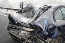 Hromadná nehoda 14 aut na silnici mezi Pískem a křižovatkou Nová Hospoda.