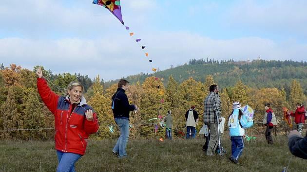 DRAKIÁDA 2008: Na vrchu Bejčák v Píseckých horách - 25. října 2008.