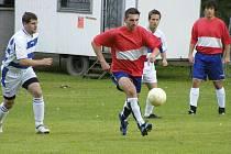 Okresní fotbalové soutěže pokračovaly o svátečním víkendu dalšími zápasy.