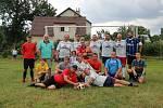Sváteční fotbalové utkání  ve Svatkovicích u Bernartic. Foto: Alena Lišková