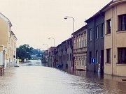 Písek 13. srpna 2002, 8:15 – pohled na zatopenou Hradišťskou ulici.