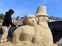Obří pískové sochy v Písku.