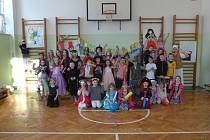 Děti si v Mirovicích užily školní karneval.