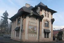 ARCHITEKTURA. Vila Adolfa Raaba byla postavena v  roce 1899 na rohu Sedláčkovy a Táborské ulice v Písku.