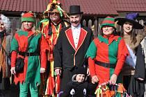 Maškarní průvod v Semicích vyšel v sobotu (25. 2.) od šiškárny na Flekačkách a prošel celou obcí až k hospodě  Ve Staré škole.