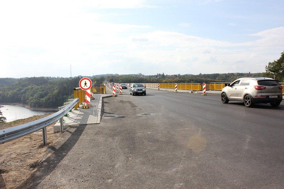 Žďákovský most