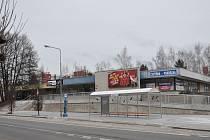 Sídliště Jih v Písku - nově upravený prostor u autobusové zastávky.