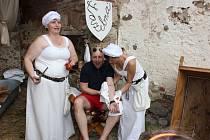 Středověký den na tvrzi v Kestřanech.