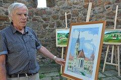 František Zima na výstavě svých kreseb a maleb v Galerii u Putimské brány.