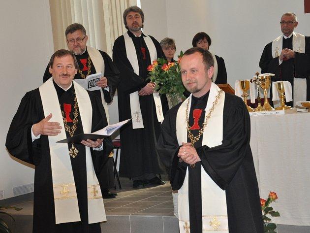 Sobotní ordinace a instalace nového  plzeňského biskupa Filipa Štojdla v Písku