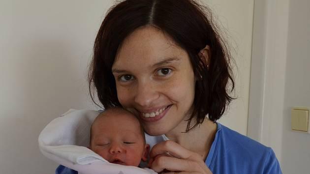 Oliver Sommer zPísku. Syn Pavlíny a Jiřího Sommerových se narodil 5. 5. 2019 v16.14 hodin. Při narození vážil 2800 g. Doma se na brášku těšil Tadeáš (3,5).