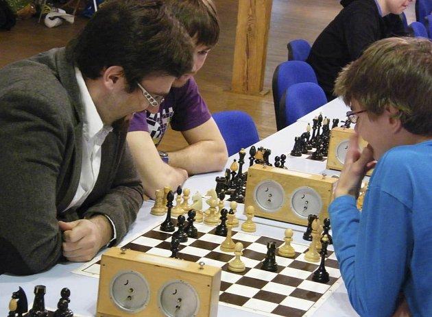 Šachisté ŠACHklubu Písek si v posledním utkání sezony zajistili účast ve 2. lize i pro příští soutěžní ročník.