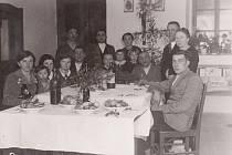 Vánoce u Charyparů kolem r. 1935.