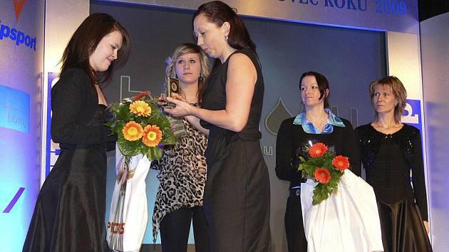 Při loňském vyhlašování výsledků ankety Nejúspěšnější sportovec Písecka za rok 2009 předávali ceny nejlepším jednotlivcům i zástupci sponzorských firem.