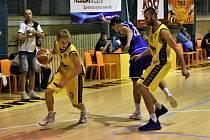 Prvoligoví basketbalisté Sršni Písek.