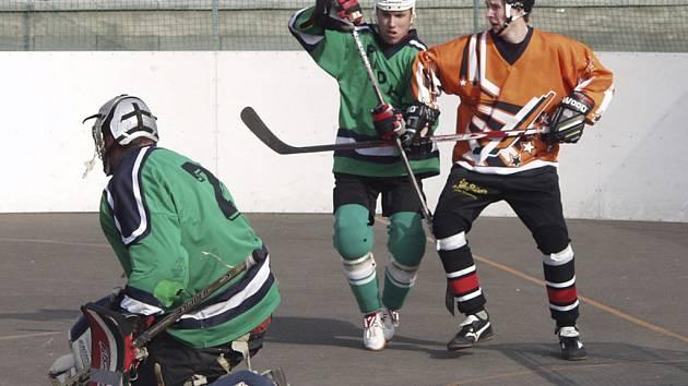 Hokejbalisté HC ŠD Písek sehrají v sobotu 10. 5. od 10 hod. na svém hřišti druhý zápas semifinále play off 2. ČNHbL s týmem Nové Včelnice.