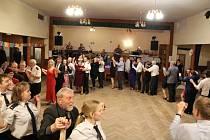Hasičský ples ve Svatkovicích.
