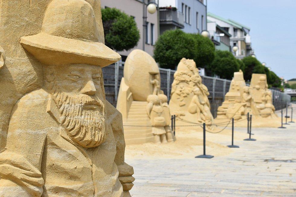 Sochy z písku v Písku.