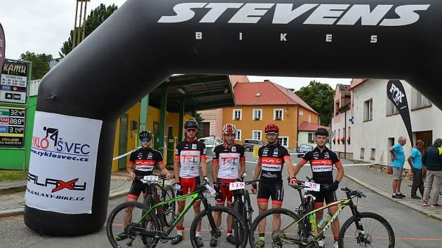 Cyklisté písecké stáje CykloŠvec Stevens.