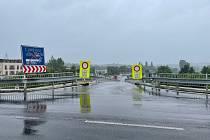 Ředitelství silnic a dálnic se pustilo do oprav průtahu Pískem, řidiči se musí připravit na dopravní omezení.