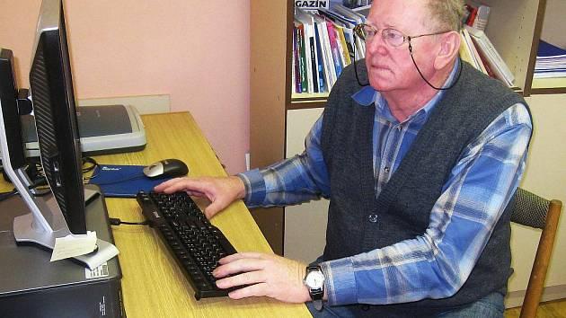 Ladislav Černohorský při rozhovoru v redakci Píseckého deníku.