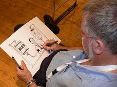 Setkání s múzami ve Sladovně. Kreslíři z osmi evropských zemí si dali dostaveníčko v Písku. Návštěvníci si mohli odnést i vlastní karikatury.