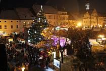 Rozsvícení vánočního stromu na píseckém Velkém náměstí v roce 2018.