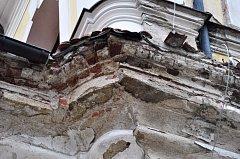 Kostel v Nicově před a po rekonstrukci.
