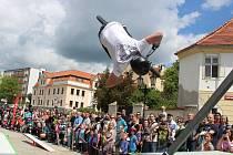 Na Fügnerově náměstí byla v sobotu k vidění exhibice na kolech. Během dne se střídala s workshopy.