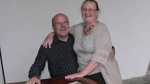 Akademický malíř Dalibor Říhánek a manželkou Miloslavou.