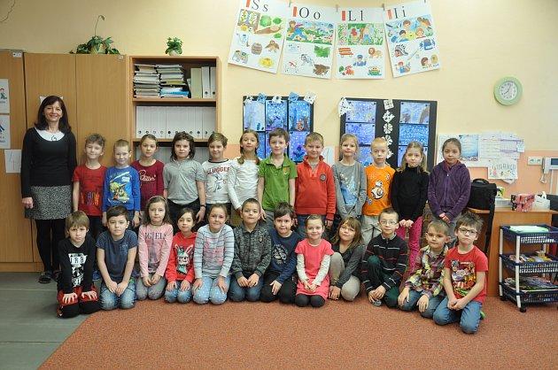 Žáci 1. A třídy Základní školy Jana Husa v Písku.