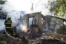 Požár chaty v Ostrovci.