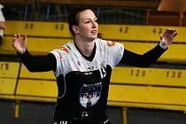 Písecká spojka Tereza Pokorná zaznamenala v Hodoníně sedm gólů a se 168 přesnými trefami se stala nejlepší střelkyní MOL ligy. její tým na západě Čech zvítězil 31:26. Foto: Jan Škrle