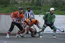 V dalším utkání krajské ligy zvítězili hokejbalisté Písku v Táboře nad místním týmem těsně 1:0, když jediný gól vstřelil ve druhé části zápasu Gába.