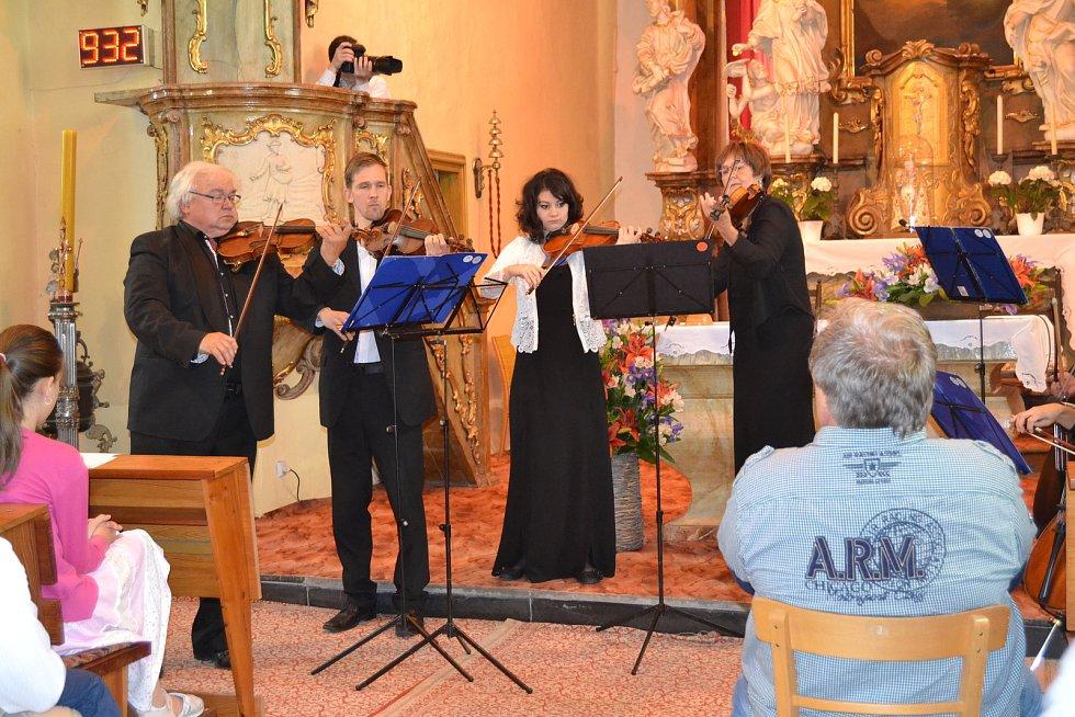 Slavnostní pouťový koncert ke 100. výročí vzniku republiky v Čimelicích.