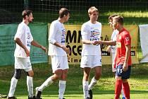 Milevsko (v bílém při utkání v Čimelicích) tentokrát zvítězilo v Jankově.