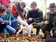 DEN STROMU. Do Panevropského týdne lesů se ve čtvrtek 23. října zapojily také písecké lesnické školy. Ty připravily zajímavý a poutavý program plný prožitkové pedagogiky pro 450 dětí ze základních škol.