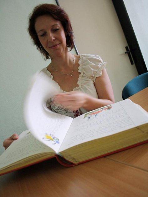 Obecní kronikářka. Markéta Kotalíková.