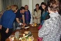 Carving neboli dekorativní vyřezávání z ovoce a zeleniny.