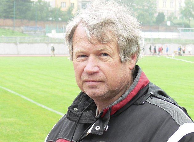 Jedním z nominovaných trenérů v anketě je Josef Fuka, trenér atletiky TJ Chyšky.