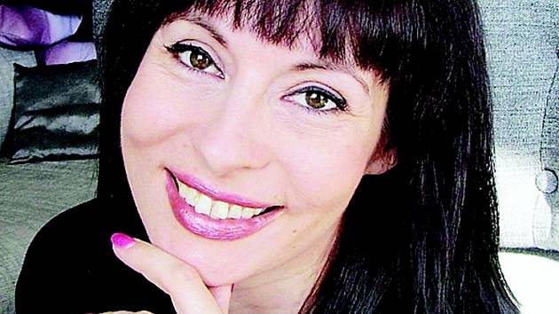 Valijah Klásová se narodila v roce 1978 v Písku, kde  také studovala. Po maturitě odešla do Prahy a věnovala se marketingu a reklamě. Před třemi lety potkala pákistánského obchodníka s kořením, který ji inspiroval k otevření internetového obchodu.