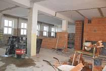 Rekonstrukce jídelny písecké obchodní akademie a střední zemědělské školy by měla být hotová v dubnu.