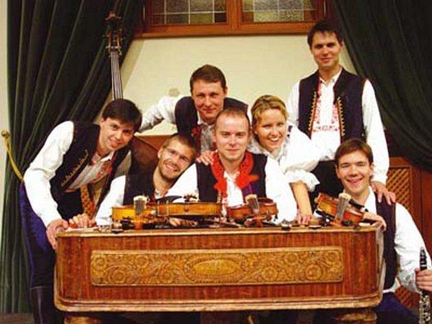 Na plese města Písku zahraje cimbálová muzika Stanislava Gabriela z Babic.