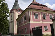 Náves obce Záhoří, jejíž součástí je také Třešeň.